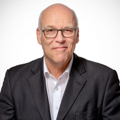 Dominik Winkels Geschäftsführer von Winkels Interior Design Exhibition / Beratung Messebauer und Innenausbau
